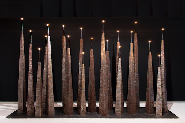 Dix-neuf bougeoirs, 2008-2014 / Nineteen Candlesticks, 2008-2014